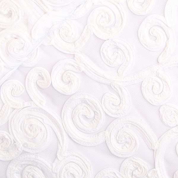 Tyl med broderie hvid rose
