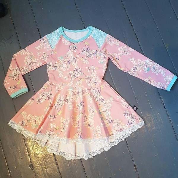 "Snitmønster til børn ""Peplum / tunic with a twist Dress"" str 80 - 164"