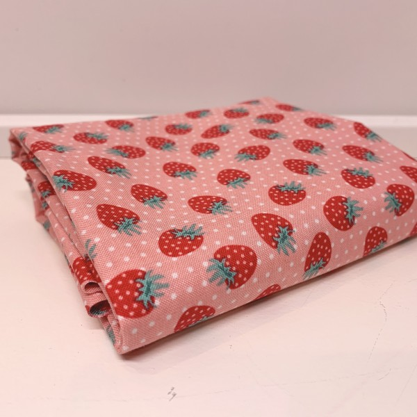 """40 cm Bomuld """"The Shabby Strawberry"""" by Emily..."""