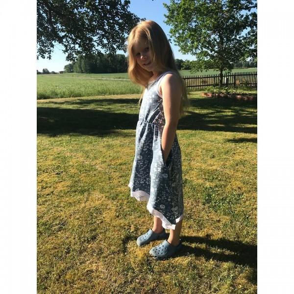 """Snitmønster til børn """"High low dress"""" str 80 - 164"""