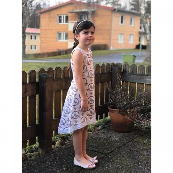 """Snitmønster til børn """"Fit and flare Dress"""" str 104 - 164"""